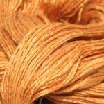 Mulberry silke garn her i fargen 15-1147