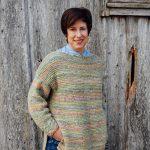 strikkepakken camelona i fabel og kidsilk erle. Her ser man genseren i front.