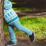 bukse-til-lykkegenser-garnpakke oppskrift og garn til strikket barnebukse