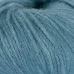 Bildet viser strikkegarnet Pus fra du store alpakka her i fargen 4003.