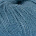 Bildet viser strikkegarnet Pus fra du store alpakka her i fargen 4032 denimblå.