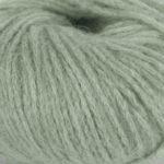 Bildet viser strikkegarnet Pus fra du store alpakka her i fargen 4040 støvet jadegrønn.