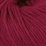 Olava garn fra Camilla Pihl i fargen 923 Rubinrød