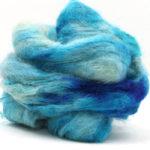 Fluffy mohair gradient fra Cowgirl blues i fargen 18 Signs of spring her i fargen 17 Shorebreaks