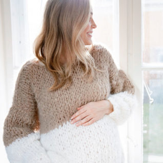 DG395 24 Jackie genser rose fra Line Langmo Happy Knitting AS