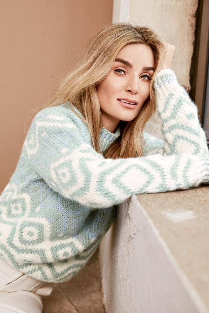 Strikkepakken inneholder mønster og garn fra Camilla Pihl til Cp41 Bluebell genser