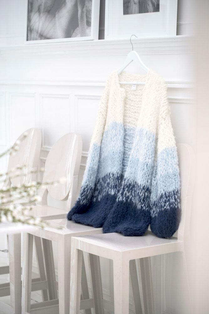 Strikkepakken inneholder mønster og garn fra Camilla Pihl til Crocus jakke cp60