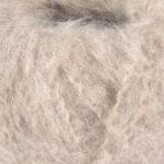 Fnugg garn fra Camilla Pihl i fargen 925 Sand melert