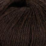 Strikkegarn Sterk fra Du store alpakka. Her i fargen 810-brun.