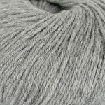 Strikkegarn Sterk fra Du store alpakka. Her i fargen 822-gramelert.