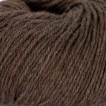 Strikkegarn Sterk fra Du store alpakka. Her i fargen 824-brun-melert.