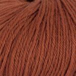 Strikkegarn Sterk fra Du store alpakka. Her i fargen 862 brent kobber.
