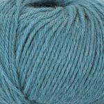 Strikkegarn Sterk fra Du store alpakka. Her i fargen 902 sjøgrønn.