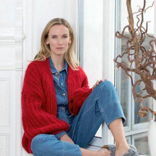 Strikkepakken inneholder mønster og garn fra Camilla Pihl til 17-15-Sunstone jakke