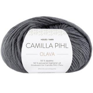 Olava garn fra Camilla Pih, 50 % alpakka og 50 % peruansk highland-ull. Her i fargen 918 koks
