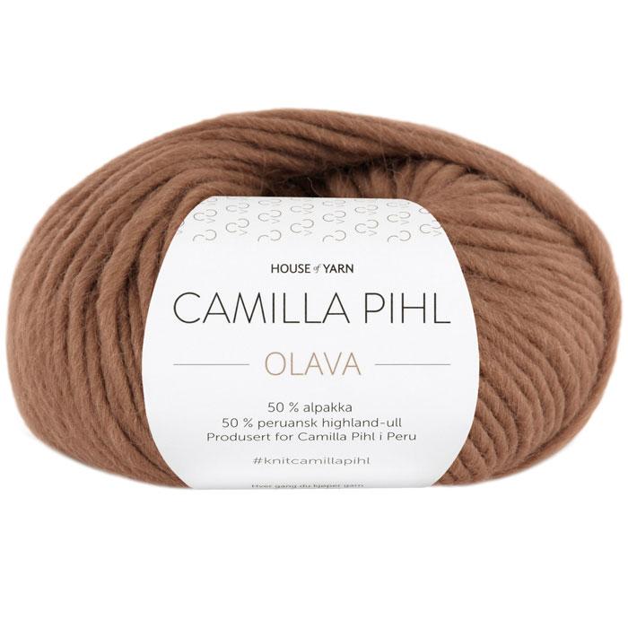 Olava garn fra Camilla Pih, 50 % alpakka og 50 % peruansk highland-ull. Her i fargen 921 moskus