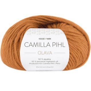Olava garn fra Camilla Pih, 50 % alpakka og 50 % peruansk highland-ull. Her i fargen 922 ravgul