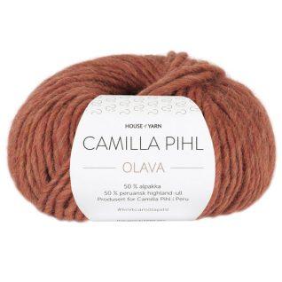 Olava garn fra Camilla Pih, 50 % alpakka og 50 % peruansk highland-ull. Her i fargen 927 chillimelert