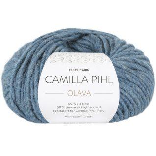 Olava garn fra Camilla Pih, 50 % alpakka og 50 % peruansk highland-ull. Her i fargen 928 Olava garn fra Camilla Pih, 50 % alpakka og 50 % peruansk highland-ull. Her i fargen 930 lys denim.