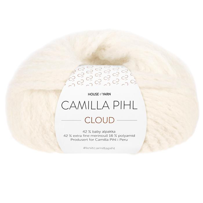 Bildet viser alpakkagarnet Cloud fra Camilla Pihl. Bildet har en hvit banderole rundt som er midtstilt. Nøstet er fotografert rett forfra. Her i fargen 203 snøhvit.