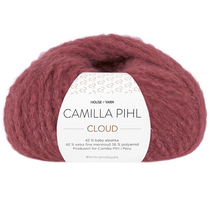 Bildet viser alpakkagarnet Cloud fra Camilla Pihl. Bildet har en hvit banderole rundt som er midtstilt. Nøstet er fotografert rett forfra. Her i fargen 209 mørk rose.