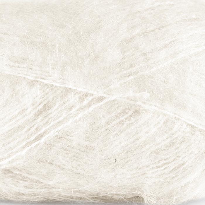 Myk Påfugl fra Dale garn i fargen 0010 Hvit.