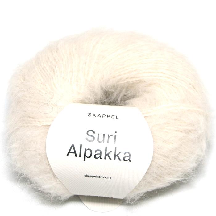 Skappel garnet Suri Alpakka i fargen 101 naturhvit.