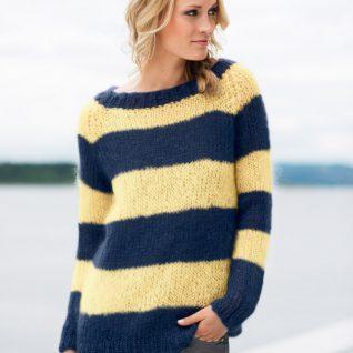 Strikkepakken inneholder mønster og garn fra Dalegarn til Acne-genser i marine og lys gul Myk Påfugl garn.