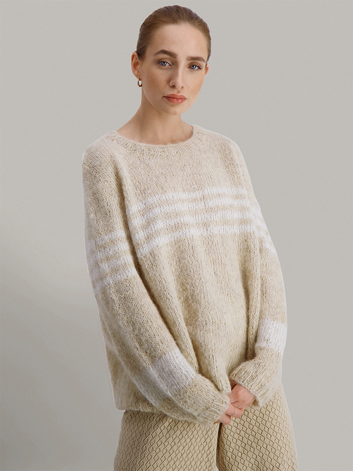 Strikkepakken inneholder mønster og garn fra Skappelstrikk til Glimre genser strikket i Suri alpakka garn.