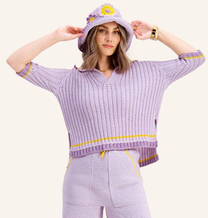 Strikkepakken inneholder mønster og garn til Syrin skjorte fra Ida Broen og Skappel . Designet i bomullsgarnet Frisk. Her i fargen lilla.