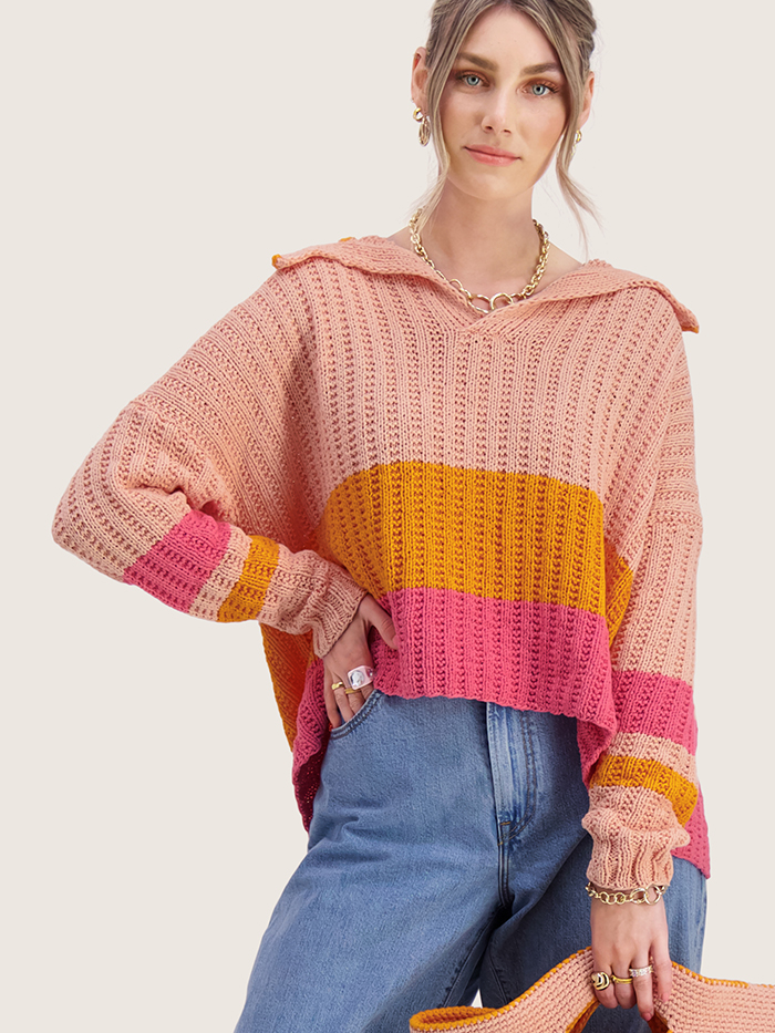 Strikkepakken inneholder mønster og garn til Mats genser fra Skappelstrikk og Ida Broen. Designet i bomullsgarnet Frisk i tre farger. Her i fersken kobinasjon