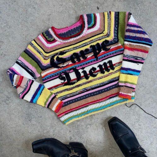 The carpe diem sweater med striper av Lærke Bagger
