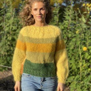 Strikkeoppskrift på ColorId en myk mohair genser strikket i Myk Påfugl fra Dalegarn